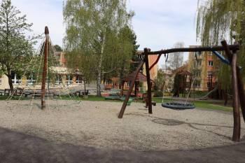 Dětské hřiště při MŠ Jeřabinka