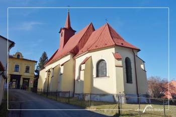 Hl. Kreuz-Kirche