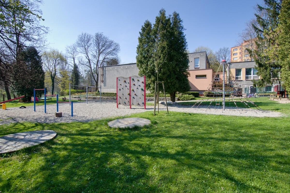 Dětské hřiště při MŠ, ul. I. Šustaly