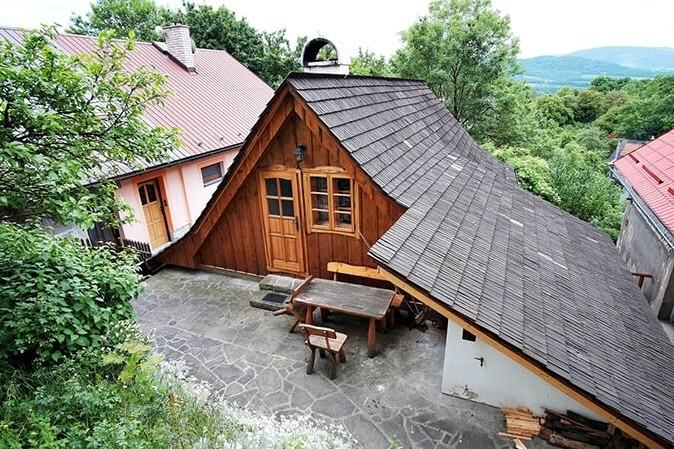 Drewniana chata - Šárka Gajdová